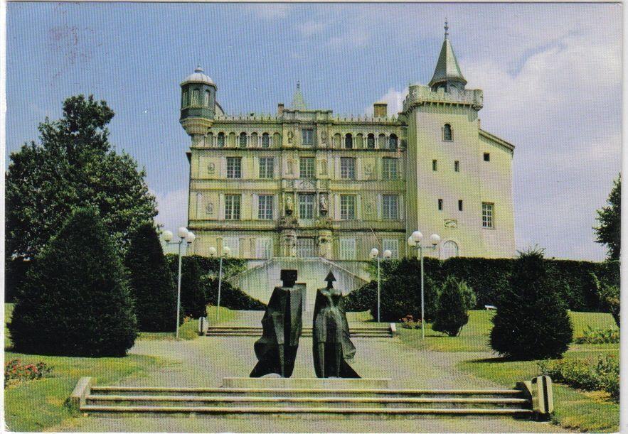 chateau de saint priest. Black Bedroom Furniture Sets. Home Design Ideas
